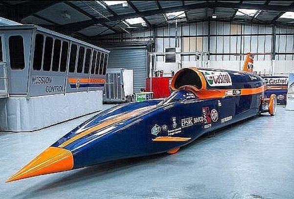 آزمایش سریع ترین خودروی جهان
