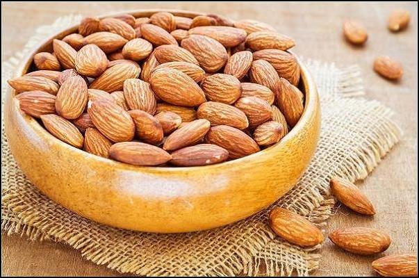 مصرف بادام بر بهبود کلسترول خوب