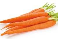 ۹ فایده مصرف آب هویج