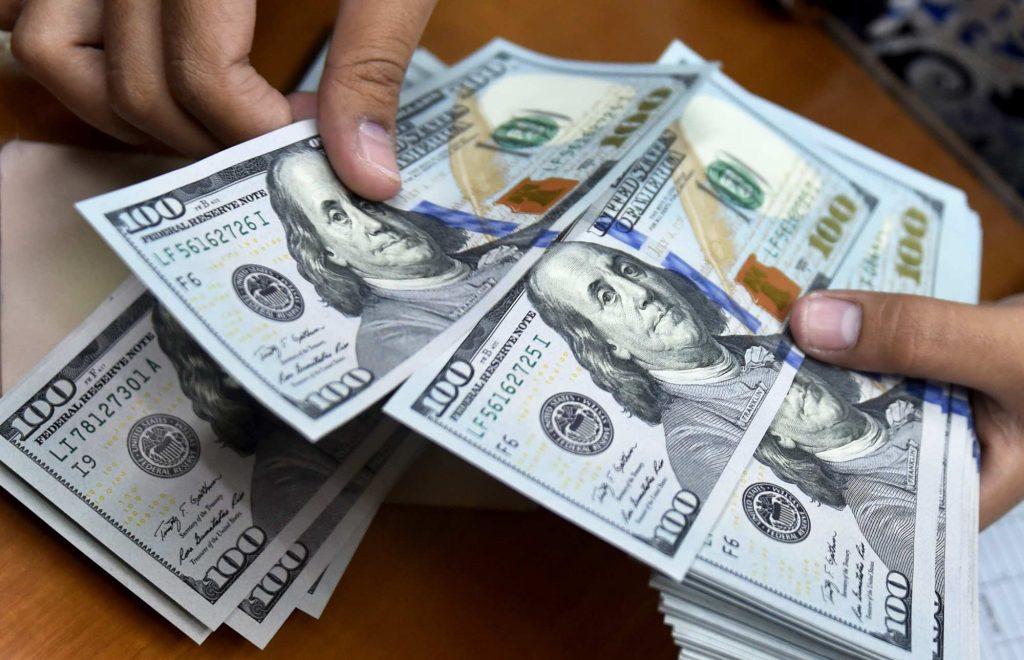 اتفاق عجیب در بازار دلار