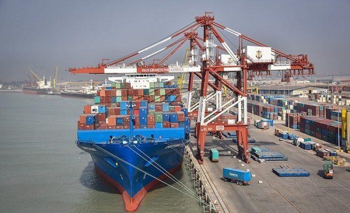 وزیر صنعت: ممنوعیت واردات هیچ کالایی در دستور کار نیست