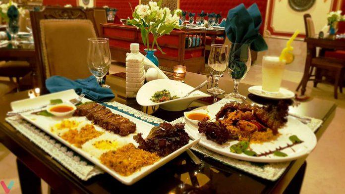 رئیس اتحادیه رستورانداران: فروش رستورانها نصف شد