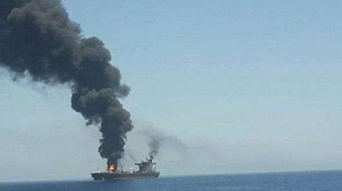 حمله به دو نفتکش در دریای عمان