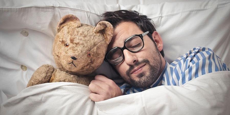 وقتی می خوابیم دقیقاً چه اتفاقی در بدن مان می افتد؟