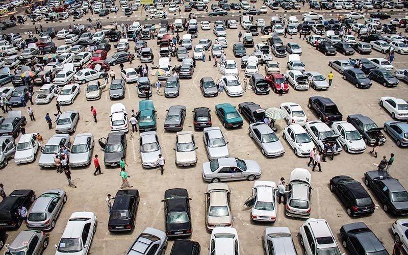 رقابت خودروهای سایپا و ایران خودرو بر سر گرانی