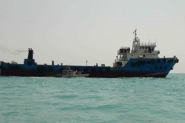 IRGC Navy seizes fuel smuggling foreign tanker near Farsi Island