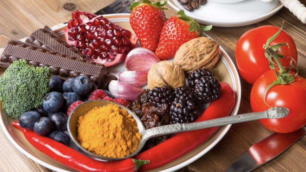 بهترین مواد غذایی برای مقابله با سرطان