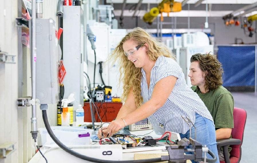 ۲۰ دانشگاه برتر جهان برای تحصیل در رشته مهندسی برق و الکترونیک
