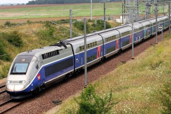 قطار برون شهری