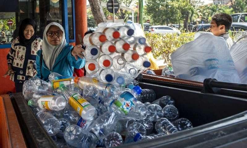 دنیا چگونه به جنگ مواد پلاستیکی رفته است؟