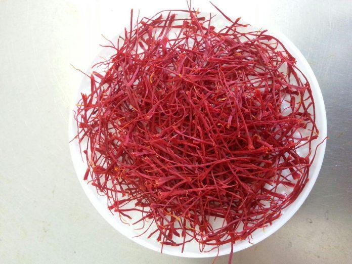 روش تشخیص زعفران اصل از تقلبی