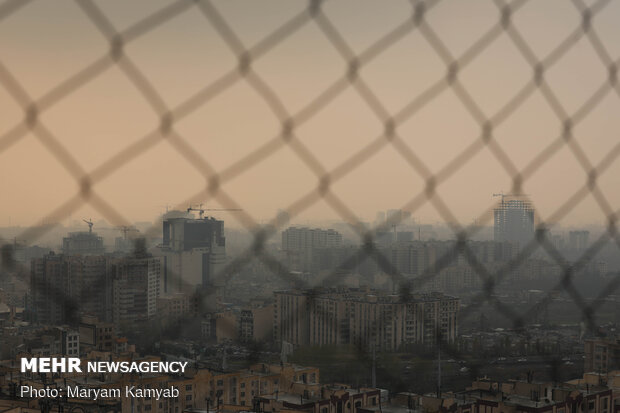 وضعیت هوای تهران در شرایط قرمز است