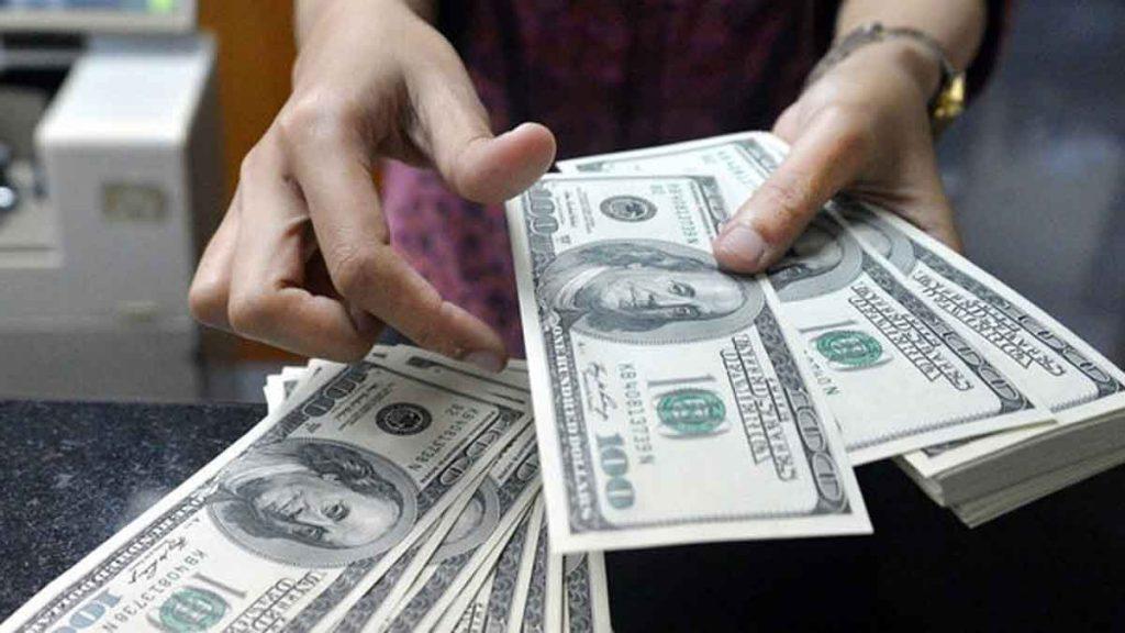 قیمت دلار ۴ بهمن ۱۳۹۹ به ۲۲ هزار و ۴۳۴ تومان رسید