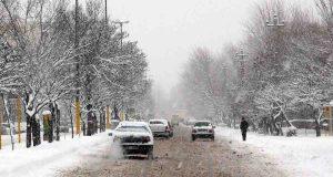 سازمان هواشناسی از تداوم بارش برف، باران و وزش باد شدید طی امروز و فردا در ۱۷ استان خبر و نسبت به وقوع بهمن در دامنههای البرز هشدار داد.