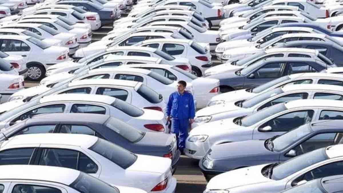 ادامه روند کاهش قیمت ها در بازار خودرو